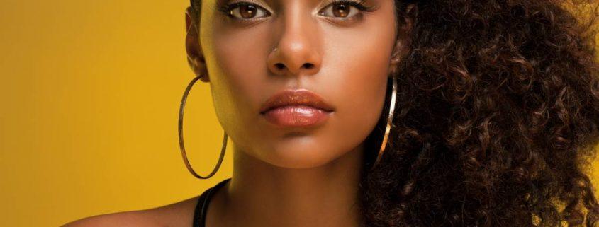 Boucles d'oreilles: les choisir en fonction de sa tenue